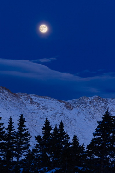 Moonrise over Loveland Pass.jpg